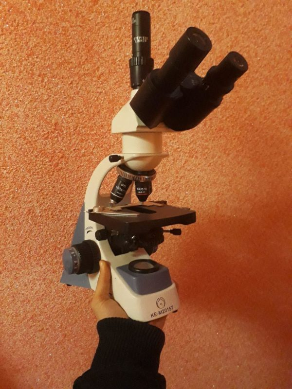 میکروسکوپ سه چشمی 1600 برابر آزمایشگاهی